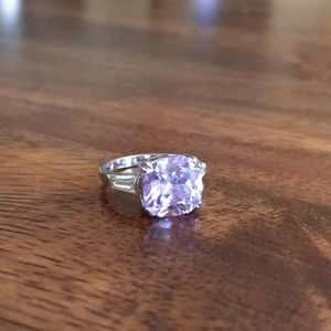 Jewelry - Ring size 5.5